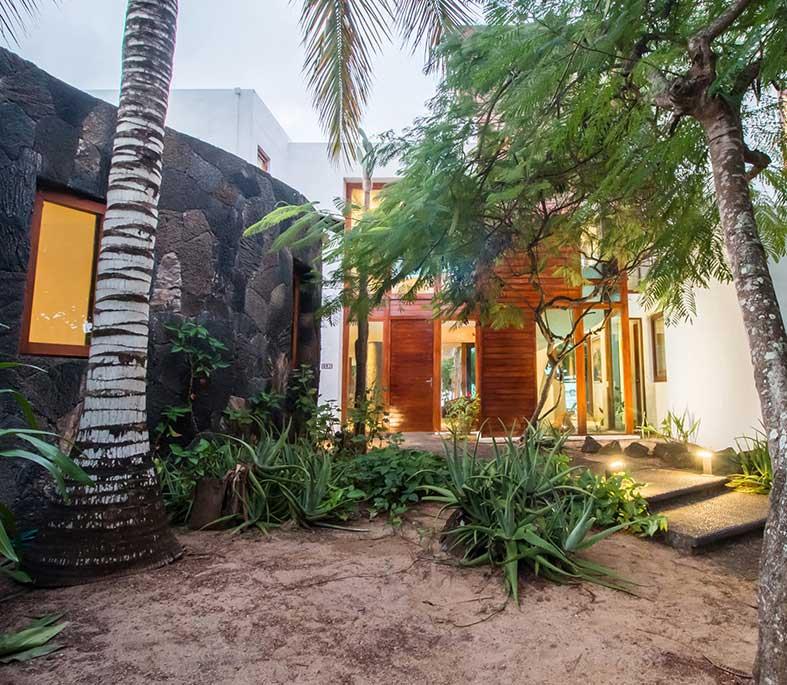 Oro Verde Villa Escalesia Patio